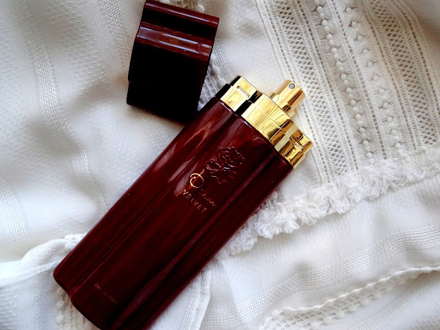 Oscar Velvet Eau de Parfum by Oscar de la Renta