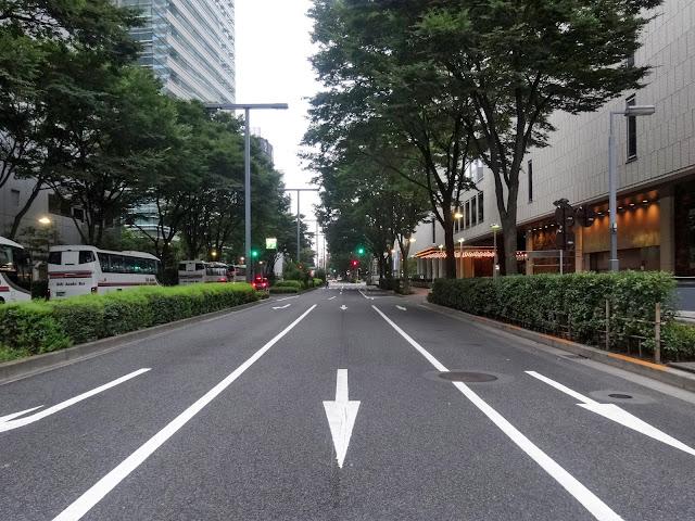 京王プラザホテル,道路,西新宿〈著作権フリー無料画像〉Free Stock Photos