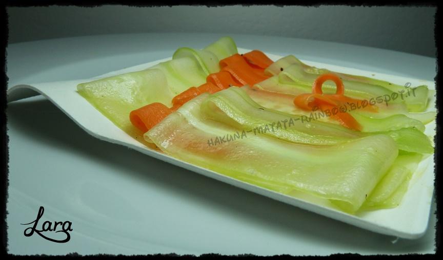 http://cucinaconlara.blogspot.it/2014/10/carpaccio-di-cetrioli-e-carote.html