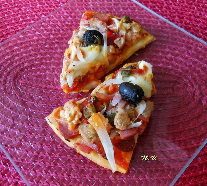PIZZA ATÚN Y SALCHICHA 5