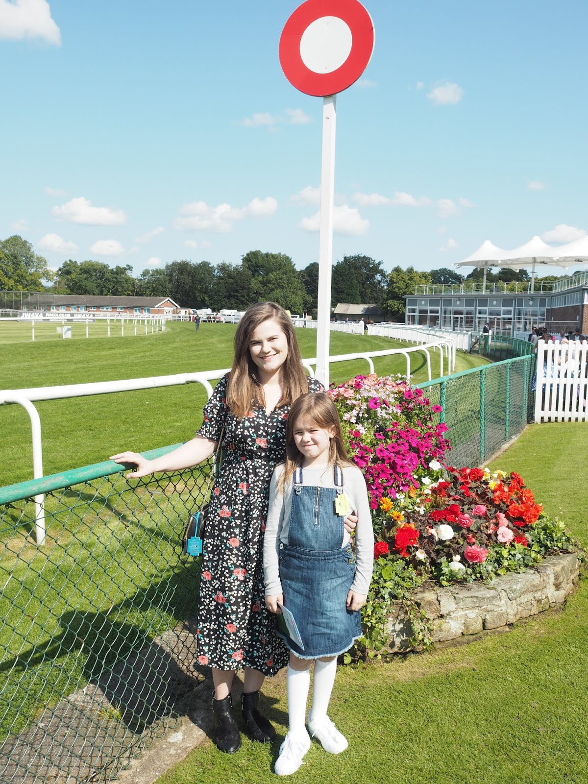 thirsk races family day under 18s horse racing