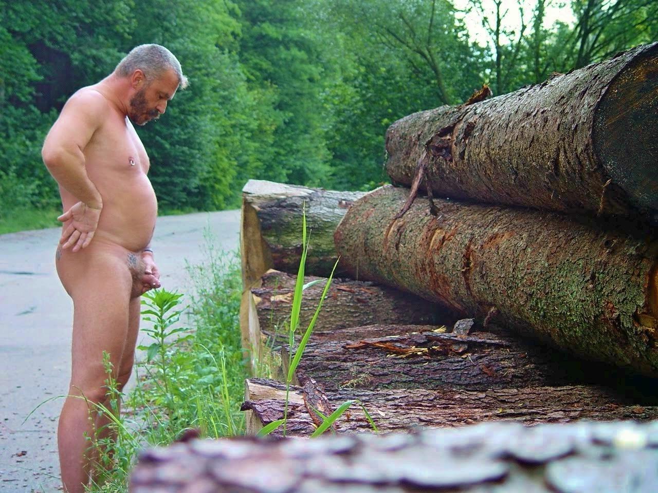 Pics naked guys peeing — img 4