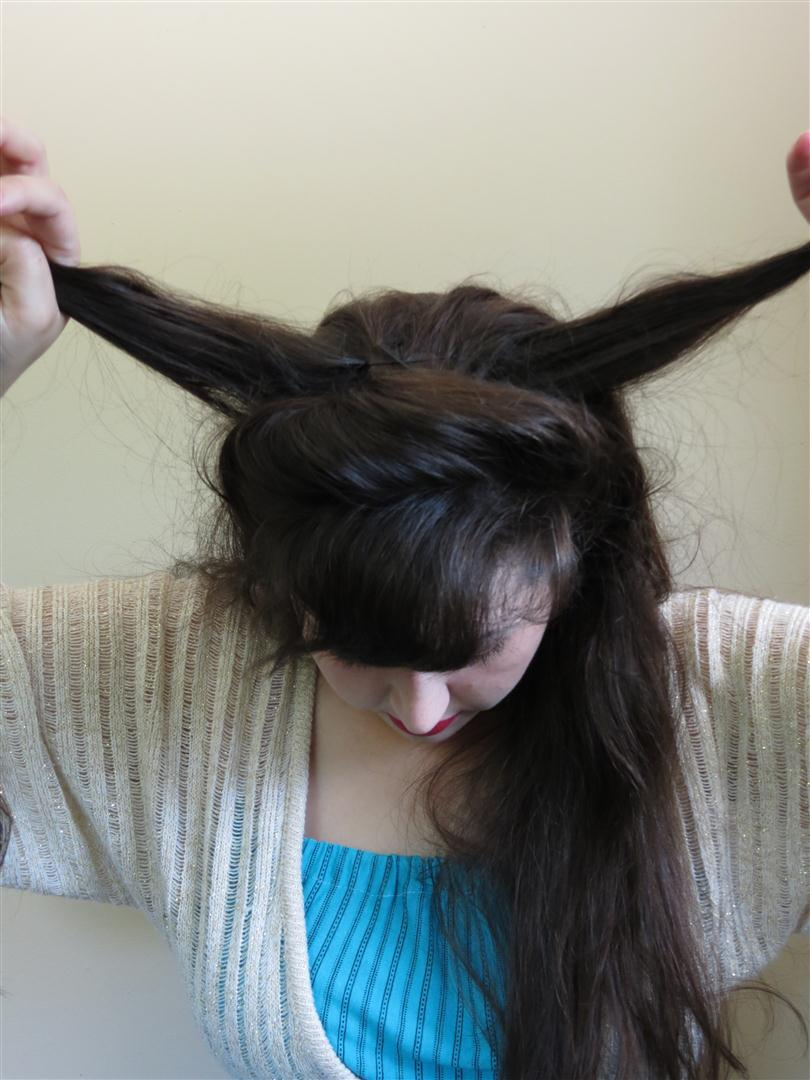 Gibson girl hair tutorial a more elaborate version black for a simple gibson girl style the remaining hair would be gathered into the aforementioned topknot and secured with pins for this style sections of hair baditri Gallery