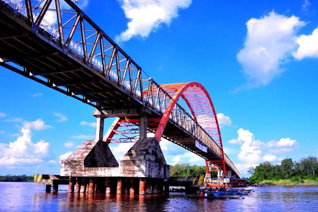 http://www.wisatakalimantan.com/2016/06/jembatan-dan-sungai-kahayan-kalimantan-tengah.html