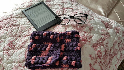 trebles and bobbles stitches to hook an ebook reader case