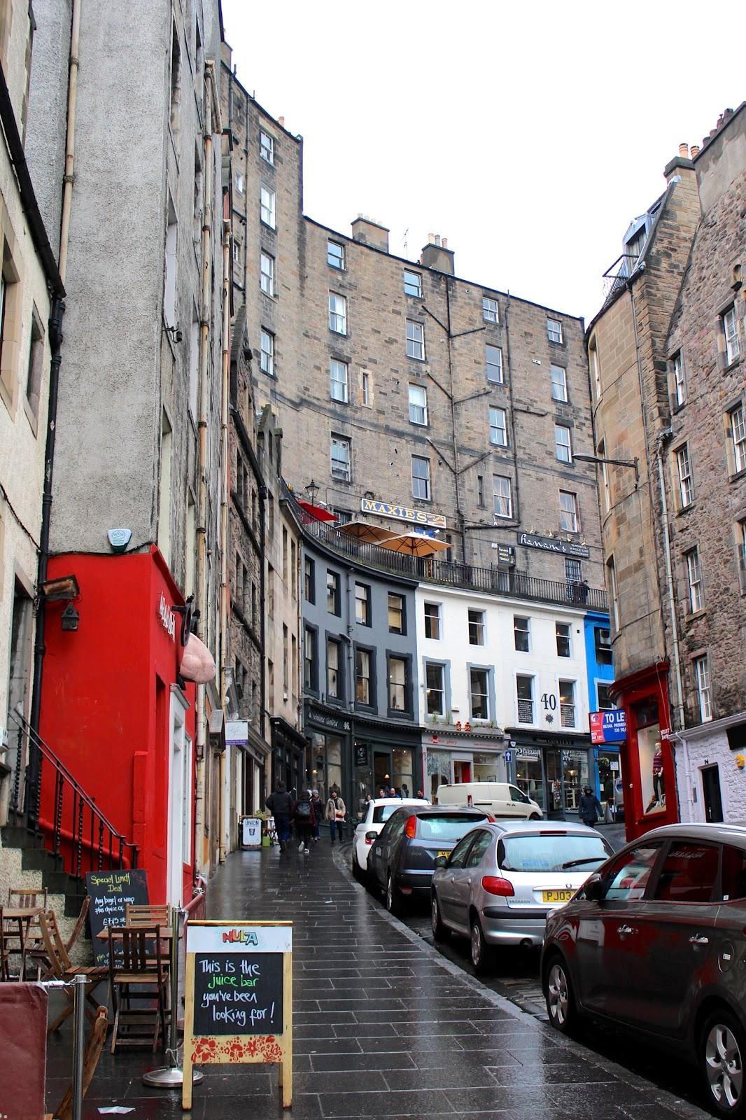 travel blogger scotland edinburgh