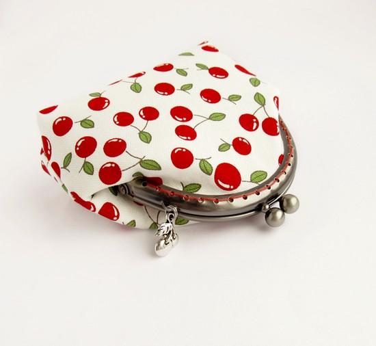 шитье, purse, cherry