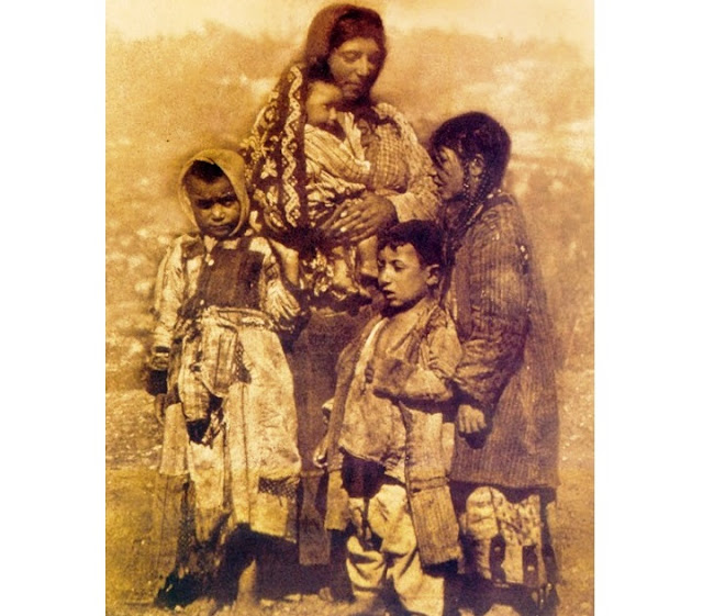 Η Μάνα της προσφυγιάς, Η μάνα του Πόντου - Χρόνια Πολλά!