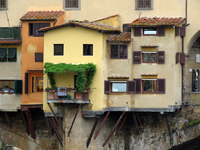 A green balcony, Ponte Vecchio (Old Bridge), Florence