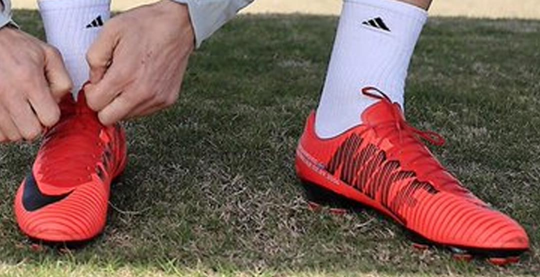 7a2935b037b0 First let us start with a bit of Zlatan's boot history. Ibrahimovic had  been an official Nike athlete from the Euro 2004 until late 2014 when he  started to ...