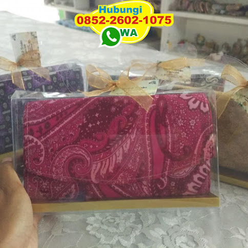 souvenir dompet pernikahan 52337