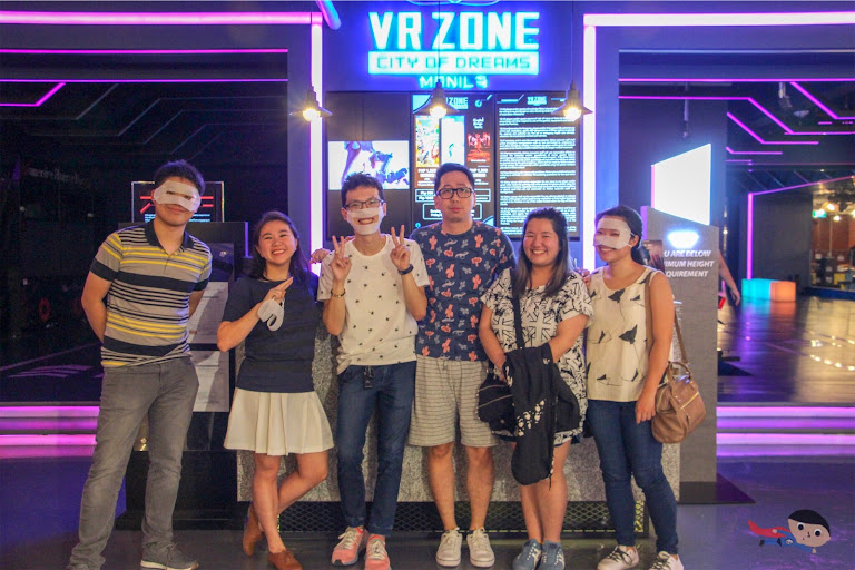 Berto, Cyd, Johannes, Renz, Gail and Nica in The Garage, VR Zone