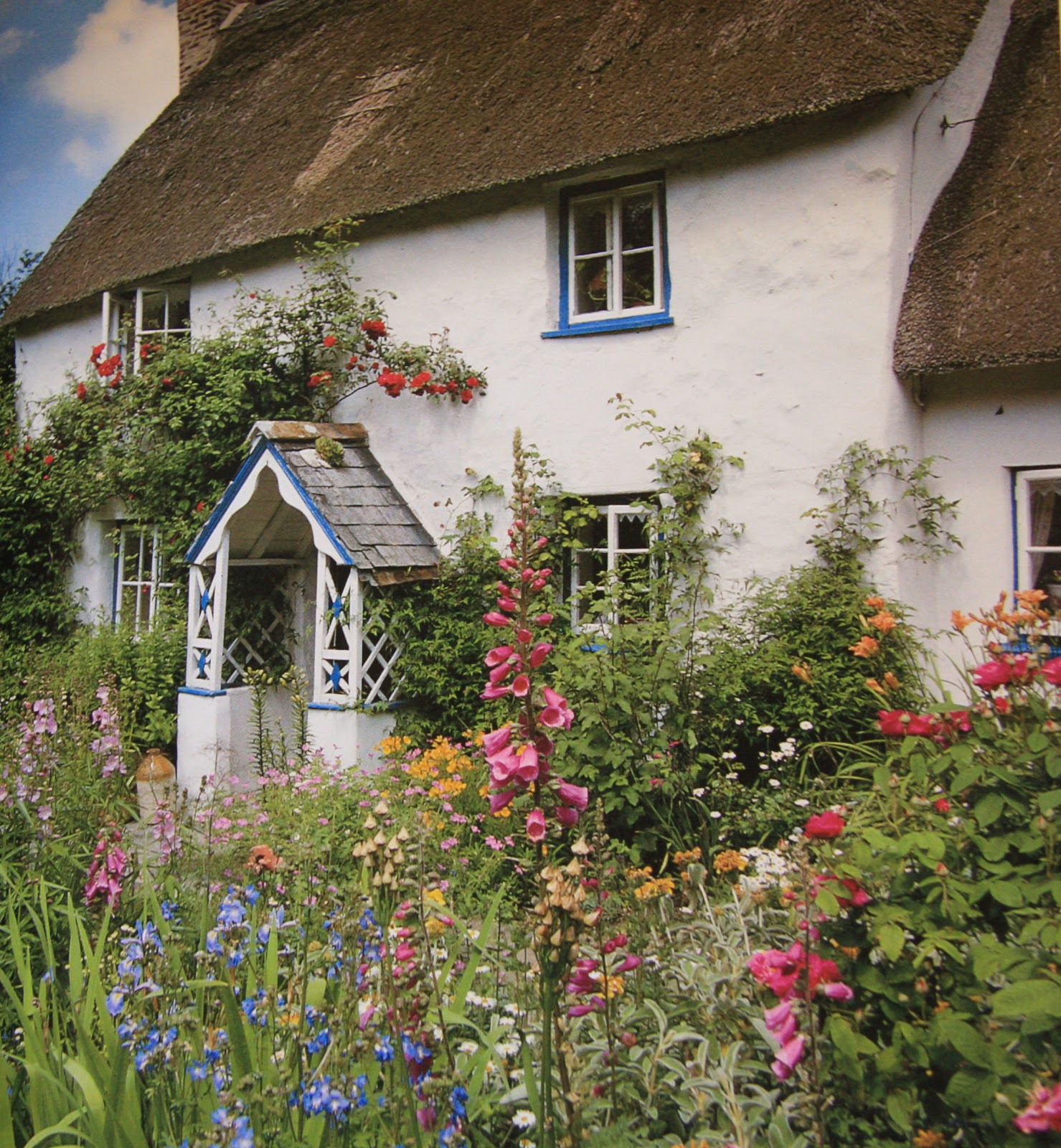 Lavender Cottage: The Charm Of Cottage Gardens