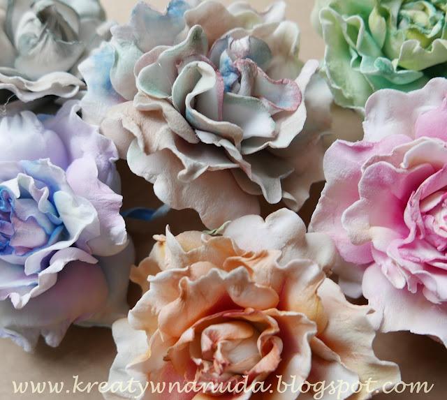 foamiranowe róże…