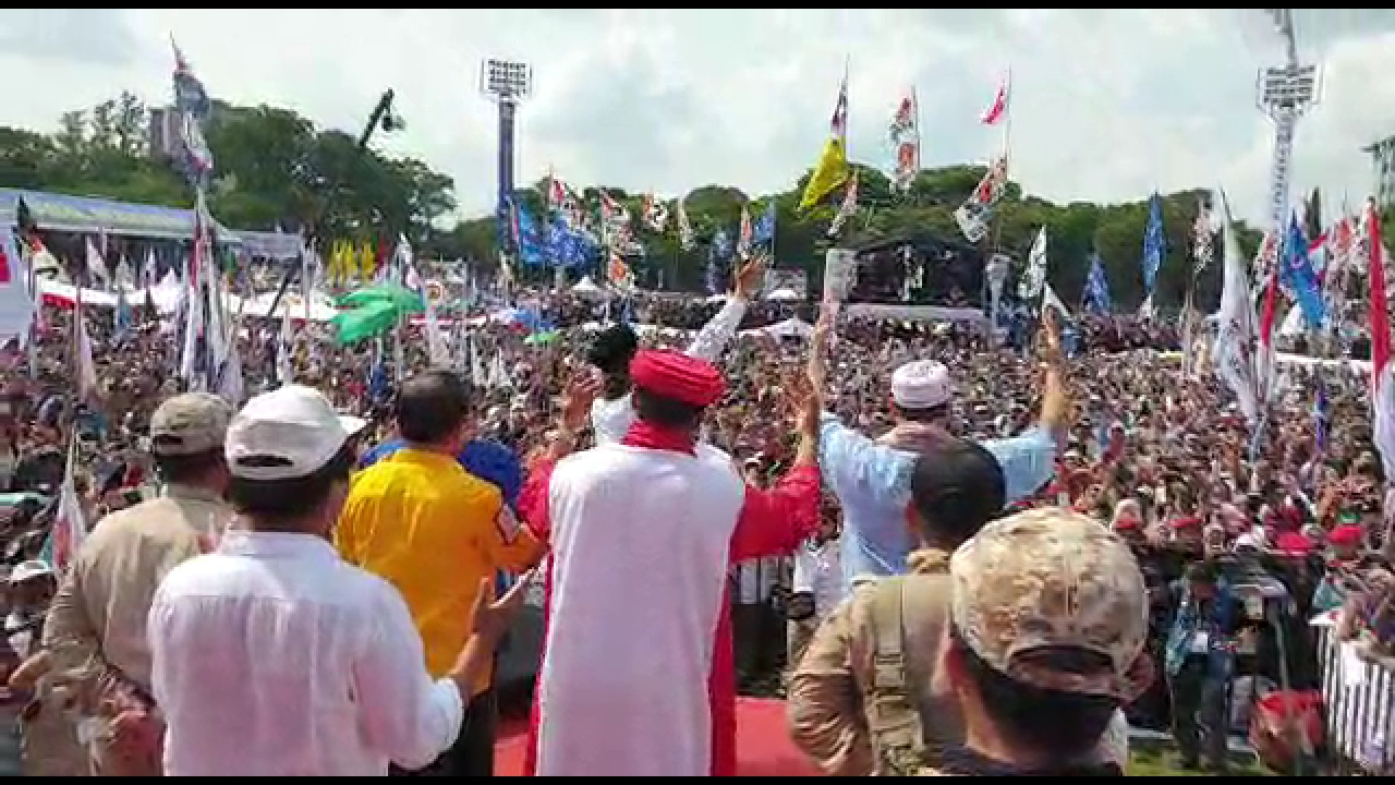 Sebut Nama Prabowo-Sandi, Doa UBN di Solo Getarkan Langit