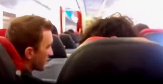 Assustador - Avião sacode como máquina de lavar em pleno voo - Img 2