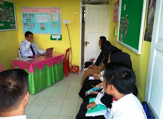 Survei Akreditasi Tim UKM oleh dr. Anasrul S