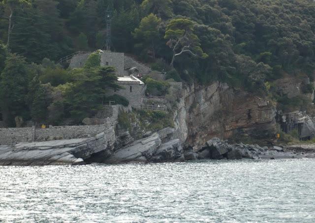 Abbazia sull'isola del Tino