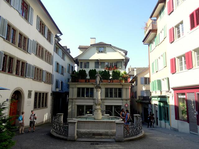 Fountain Napfgasse Spiegelgasse Zurich