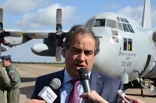 Resultado de imagen para ministro de Defensa Julio Martínez + FAA