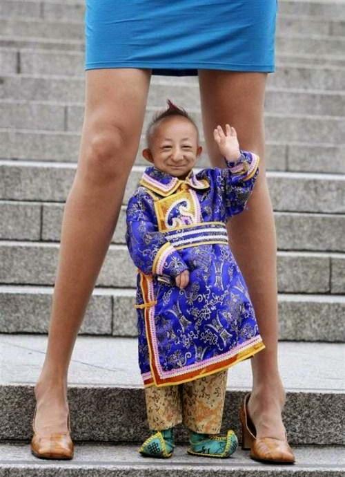 Foto-foto Manusia Terkecil Di Dunia