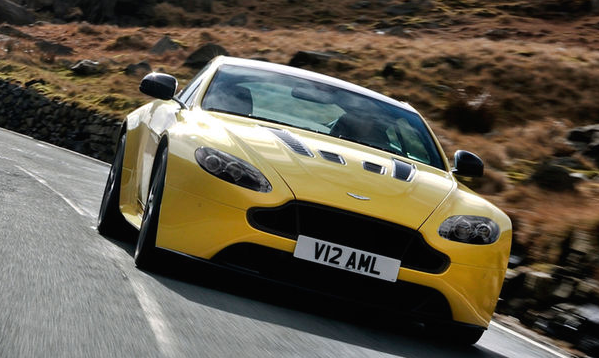 Review Automotive The 2017 Aston Martin V12 Vantage S Will Offer A 7 Speed Manual