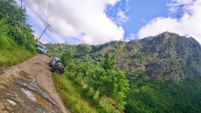 jalan menuju gunung batu