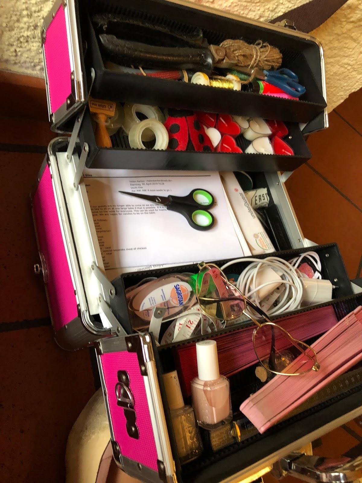 Pink suitcase, emergency kit, wedding weekend, destination wedding, mountain wedding, wedding in Bavaria, wedding planner, 4 weddings & events, Uschi Glas, Garmisch-Partenkirchen, Zugspitze, Garmisch wedding, Germany, wedding coordinator
