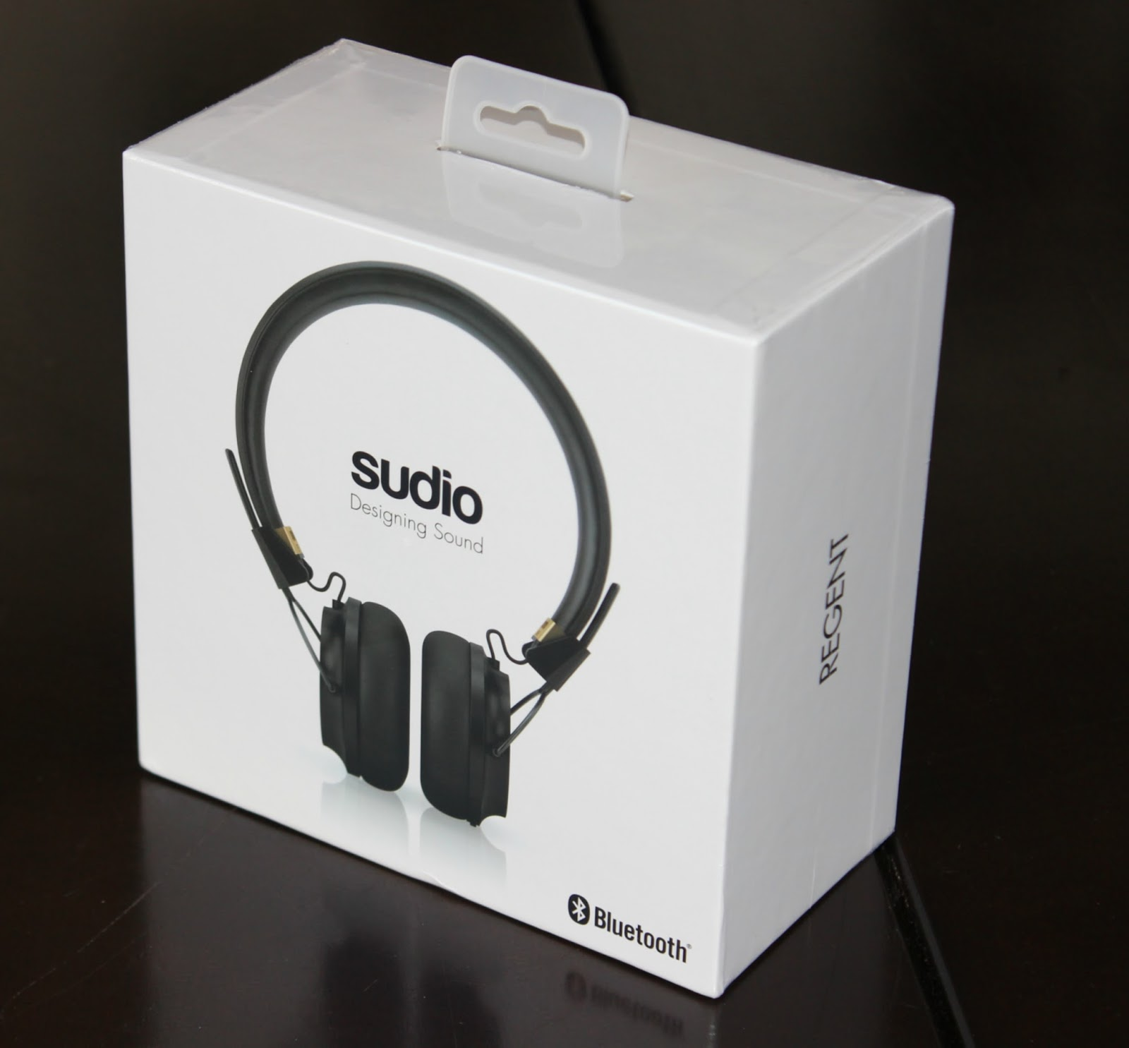 WHEN CHRISTMAS COMES EARLY: UNBOXING SUDIO REGENT - BLACK