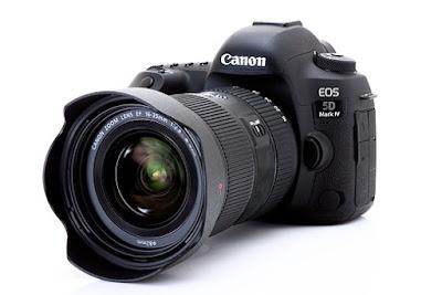 مجلة Brides تنصح العروسين باستئجار مصور يستخدم كاميرا كانون أو نيكون
