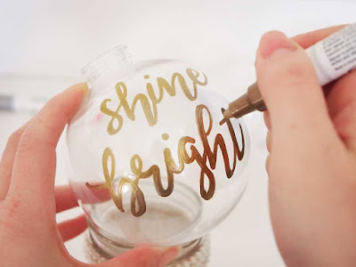 How to Make Gold Hand Lettering Christmas Ornaments (DIY)