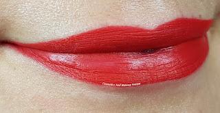 Swisscare - Matita labbra rossa - swatch
