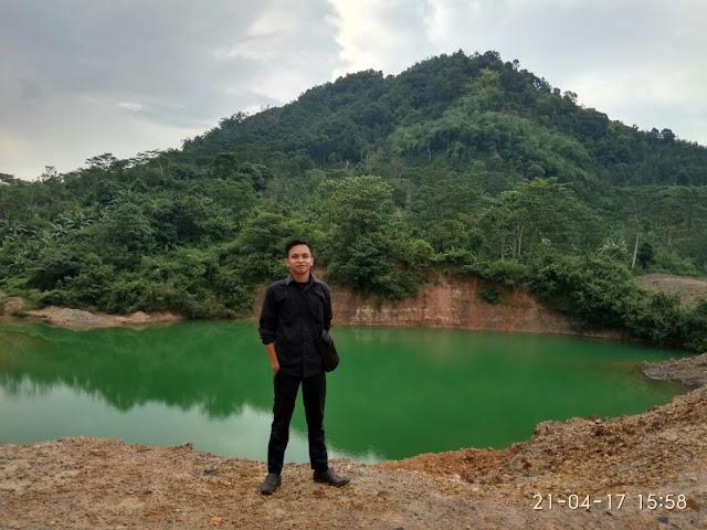 pemandangan di Danau Hijau Tanggamus lampung