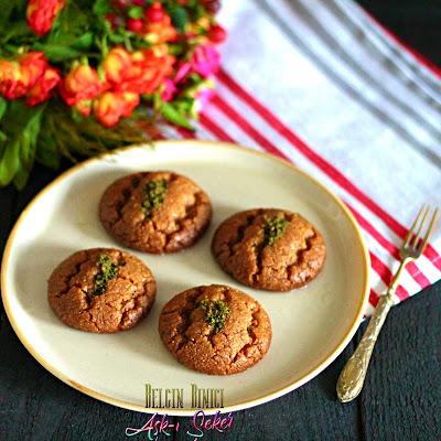 Şekerpare Tarifi Nasıl Yapılır Fındıkpare Tatlısı Şerbetli kolay nefis lezzetli videolu tatlı yemek tarifleri