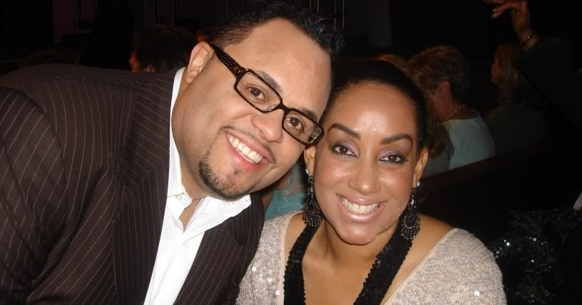 It S Over Israel Houghton And Wife Meleasa Divorce
