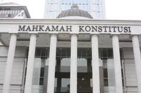 wewenang mahkamah konstitusi dan komisi yudisial