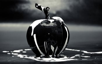 Wallpaper: Black Apple