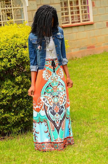How to wear a maxi skirt with denim