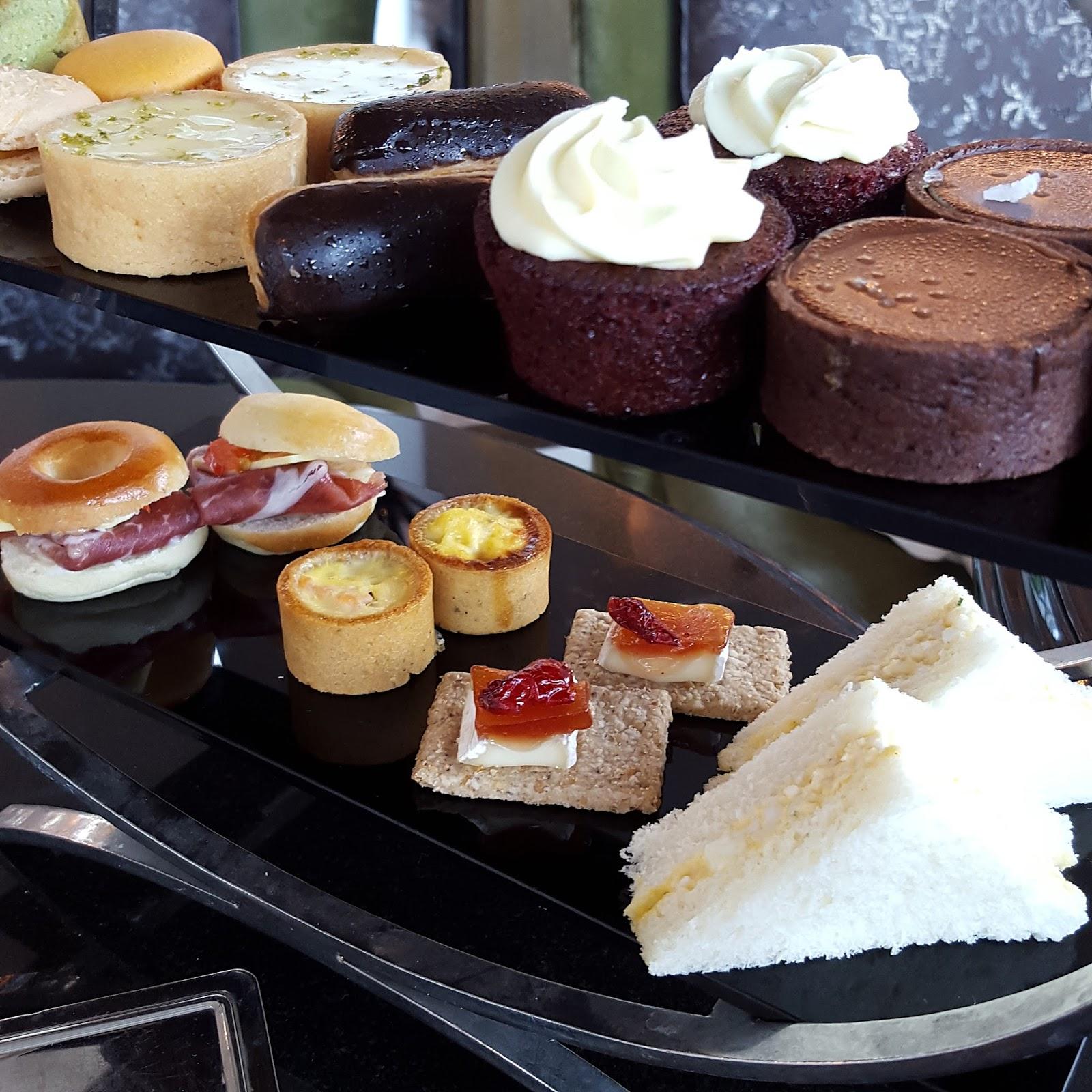 Fullerton Hotel High Tea: FoodieFC: The Landing Point Afternoon High Tea Buffet (The