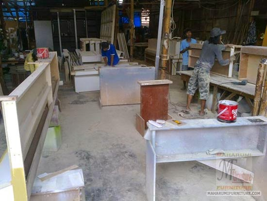 Projects Hotel Pop Tebet: Suasana Saat Proses Produksi di Workshop Interior Furniture TrisworkshopCom