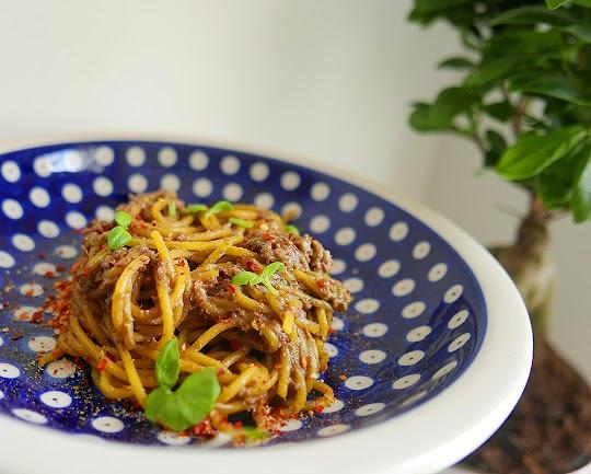 Spaghetti z pesto z awokado