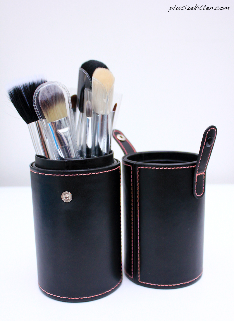 Plus Size Kitten: Luxury Makeup Brushes From C.Queen Beauty