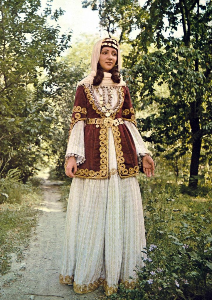 Armenian traditional clothing | Traditional clothing of ...