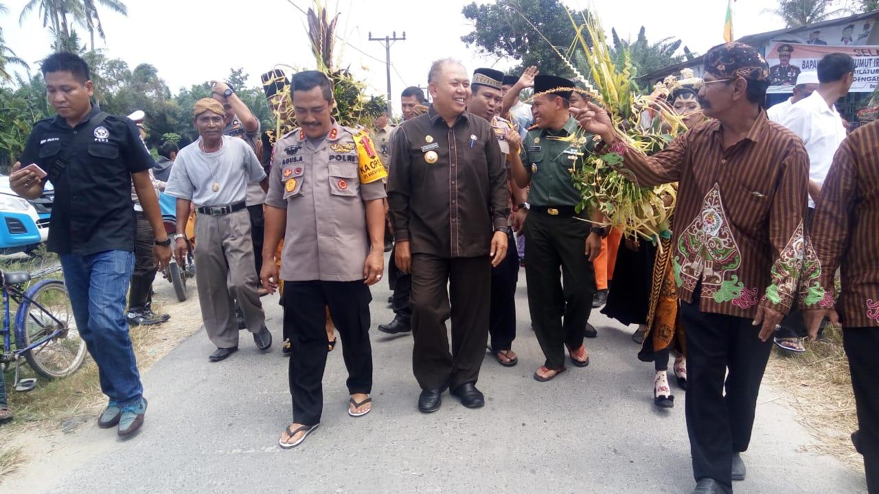 Kapoldasu Irjen Pol. Drs. Agus Andrianto, SH, MH bersama Bupati Sergai