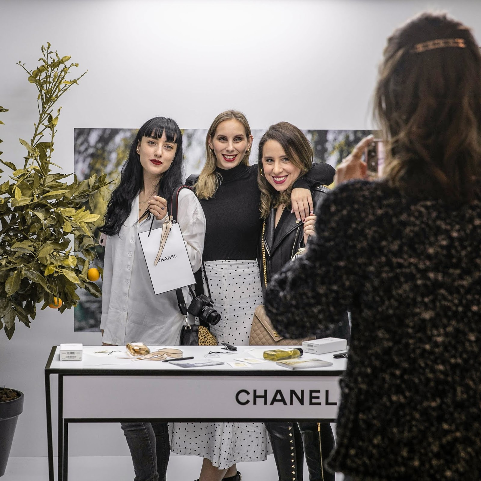 0b05f6e517e92d Chanel just opened a Fragrance & Beauty Boutique in Ramat Aviv and it is as  beautiful as you can imagine. Ramat Aviv's shopping mall is one of ...