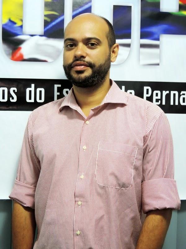 """#Ablogpe2014 """"Mídia Alternativa Foi Superada, Aqui Está O Futuro Do Jornalismo"""", Indaga Zé Gomes."""