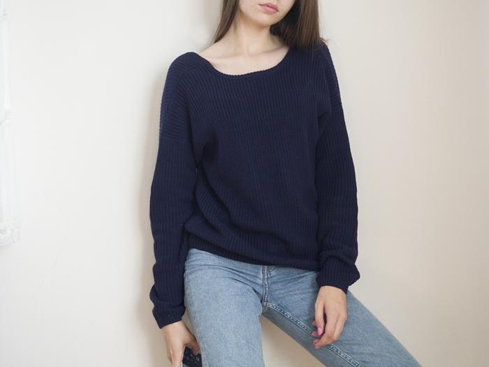sweter odsłaniający plecy