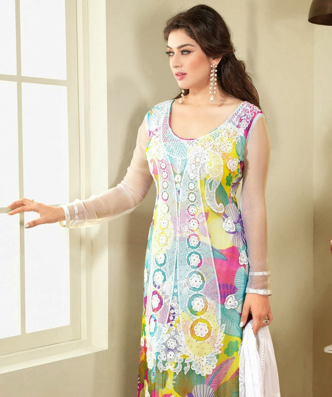 40754a85bd The beauty of the salwar kameez is a space for women in South Asia . Here  you will find Designer Pakistani Salwar Kameez range for ladies find .