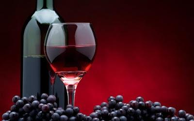Το κόκκινο κρασί ισοδυναμεί με 1 ώρα γυμναστική. Στην υγειά των κοιλιακών !
