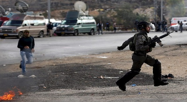 (FOTO)Jawapan Dari Tentera ISRAEL Mengapa Mereka Lari Bertempiaran Apabila Dikejar Rakyat PALESTINE Yang Hanya Bersenjatakan BATU Dan Pisau. INI BUKTI KEKUASAAN ALLAH!! ALLAHUAKBAR!!!